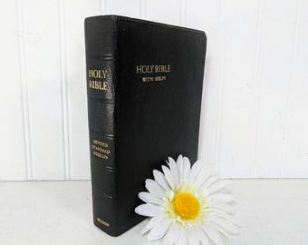 Holy Bible with Helps Revised Standard Version Nelson 2813 Containing the Old & New Testaments, Illustrations, and Maps with Gift Box  ©1952