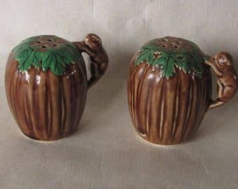 Vintage Squirrel Nut Salt Pepper Shakers Brown Ceramic Green Leaf Japan