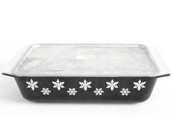 Pyrex 575-B 2 Qt Space Saver Casserole Dish, Aluminum Lid Pyrex 550MC Cover, Pyrex Black Snowflake