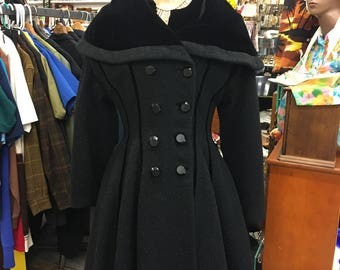 NEW LISTING Lilli Ann Coat Rare Stunning Black Vintage 1950's  Fit ~n~ Flare Winter