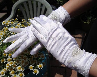 Gloves, white stretchy satin gloves with beads