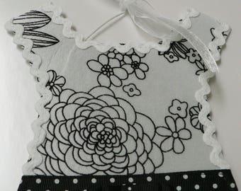 Black and White Flower Barrette Holder