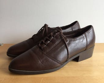 Vintage 90's Brown Leather Lace Up Oxfords 8