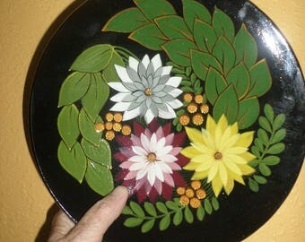 Red Clay/FLORAL/MEXICO/POTTERY/Zinnias/Green Leaves/Foliage/Wall Plate