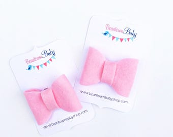 Pink Baby Bow. Pink Mini Bow. Pink Baby Bow Clip.  Pink Baby Barrette.  Toddler Barrettes. Pigtail Bows. Pigtail Barrettes. Felt Bow.