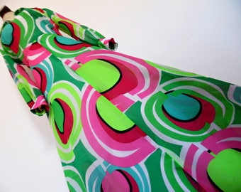 NEON ART .  Bold Psychedelic Geometric Op Art Print Maxi Dress 70s Acid Colors Size M L Pink Neon Apple Green Emerald Black
