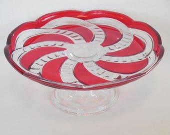 Red Flashed Pinwheel Pedestal Cake Stand