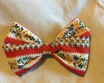 Red Prairie Vintage Fabric Bow Hair Clip