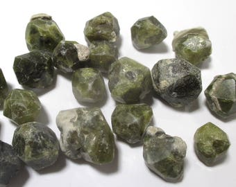 1 piece Grossular Garnet crystal from Russia picked from lot - from 25 carats up to 65 carats - natural Garnet Vilyui river