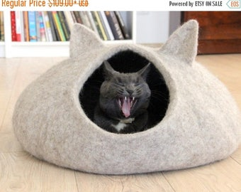 Pet bed - natural beige cat bed - cat cave - cat house - made to order - unique gift -felted cat bed - small dog bed - modern cat bed