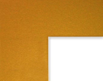 8x10 Inch Mat, 3.5x5 Inch Single Opening Image, Classic Gold with Cream Core (B57708103505)