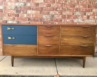 SOLD***Mid Century Dresser
