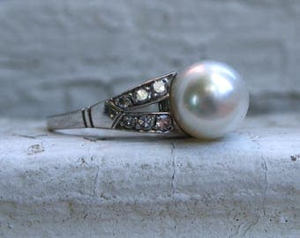 Gorgeous Vintage Platinum Pearl and Diamond Ring - 0.24ct.