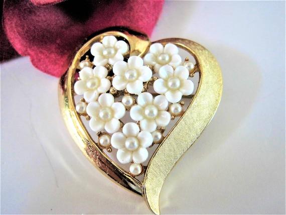 Crown Trifari Brooch - White Flowers - Heart Shaped - Wedding Pin