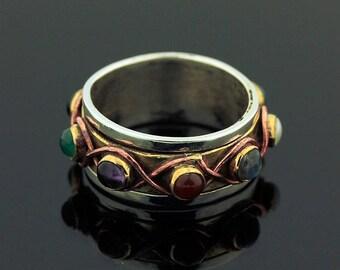 Labradorite Garnet Ring // 925 Sterling Silver // Ring Size 7 // Handmade Jewelry