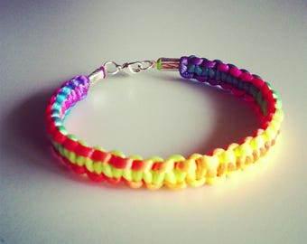 Neon multicolor macrame bracelet
