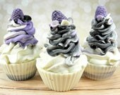 Black Raspberry Vanilla goat milk soap/cupcake soap/handmade soap/cold process/soap cupcake/body soap/soap favor/wholesale soap/gentle soap