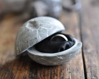stony box for engagement ring -gray
