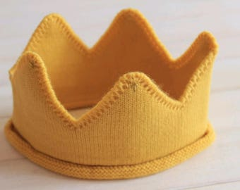 Infant crown; knitted crown; photo accessory; newborn photography prop; photography prop