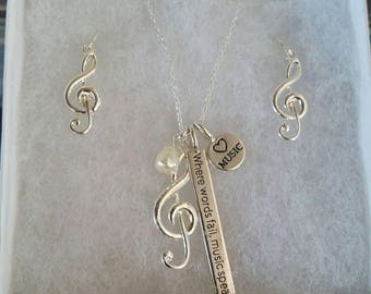 Where words fail, music speaks- Earring/Necklace Set