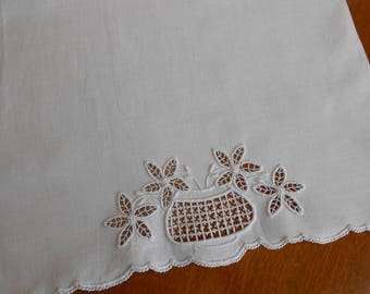 "Linen Table Runner White on White Embroidery Cutwork 17"" x 52"" Extra Long Vintage Whitework Eyelet Lace Party Wedding Holiday Linens"