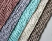 grand foulard triangulaire, choisissez parmi 5 couleurs, aucun frais de poste