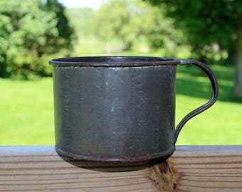 tin cup with handle 3 1/2  inch diameter 2 1/2 inches tall 1910 or earlier excellent condition