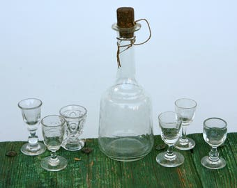 Charming carafe and glasses set