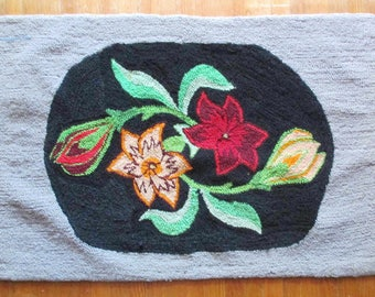 A Hooked Rug - Like New -  Latch Hook Rug - Victorian Floral Design - Vivid Colors - Usable - Wall Hanging - Flower Buds