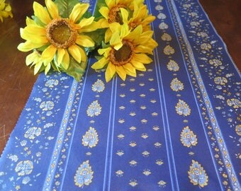 "Table runner 60"", 72"",84"" ,94"" long. oilcloth .With or without matching napkins. Fabric from Provence, France. Paisley in blue."