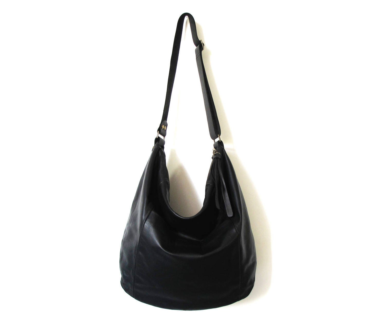 Browse the Brighton's collection of women's leather handbags, purses and totes today, including the latest red handbags, among our most popular! Skip to main content. My Account; Store Locator; Barbados Zip Top Hobo in black. Barbados Zip Top Hobo in metallic. Barbados Zip Top Hobo in black. Next.