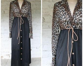 1970s Leopard Robe / Leopard Print Lingerie / Vintage Loungewear / Vanity Fair Lingerie / Vintage 70s Vanity Fair Leopard Print Robe M/L