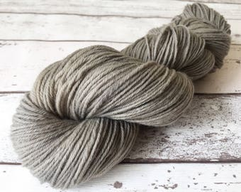 Steelworks: Natural hand-dyed DK yarn in 100% Highland Peruvian Wool 100g / 250m
