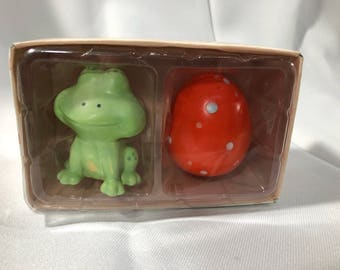 RUSS Welcome Friends Springtime SALT & PEPPER Shakers Frog and Orange Egg Stoneware