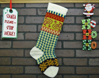 Personalized Christmas Stocking in Off-White with Ivy and Stars, Hand Knit Christmas stocking, Houndstooth Stocking, Housewarming Gift