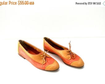 40% SALE VTG Leather Flats // Womens Oxford Shoes // Color Block Flats in Peach & Marigold // Ballet Flats by Antinori of Italy (size 38 //