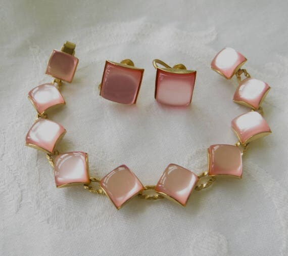 Pink Moonglow Bracelet Set, Vintage Thermoset Bracelet, Screw Back Earrings, Mid Century Jewelry