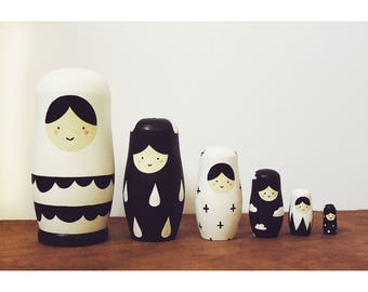 Russian Nesting Dolls //  Nesting Dolls // 6 Piece Set // Minimalist // Hand Painted // Hand Carved // Simplistic // Toys // Home Decor //