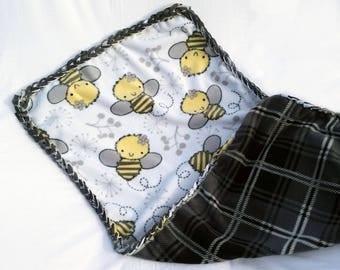 Bumble Bee Fleece Blanket, Fleece No Sew Blanket, Baby Girl Blanket, Black and Yellow