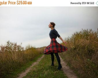 ON SALE 15% 70s vintage accordeon Pleated Tartan Plaid Wool skirt/ red blue green  tartan high waist  flare skirt/ S