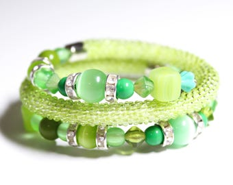 Lime Green Bracelet. Bead Crocheted Memory Wire Bracelet. Size Adjustable Bracelet. Cats eye Bracelet. Gift Idea for Her. Lime Green Set