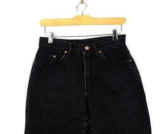 ON SALE Vintage Lee Black Denim Shorts from 80's/W26*