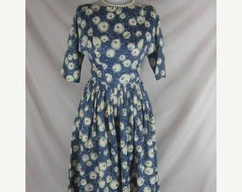 Summer sale Vintage 50s 60s Blue Silk Novelty Print Eyeballs Full Skirt Party Dress W 25