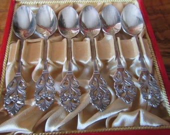 6 Swedish Coffee Demitasse Spoons in cloth lined case, ** Spoons Marked Sweden EX P.R.N.S.
