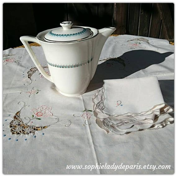 Vintage Off White French Tea Tablecloth & 6 Matching Napkins Floral Lace Inlays Embroideries #sophieladydeparis