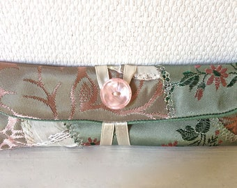 122 case for two/three pens, mini pouch, satin.