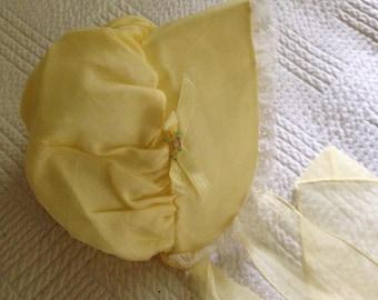 Vintage yellow baby bonnet - 12 months