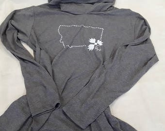 Lightweight Fashion Hoodie Featuring an Outline of the State of Montana and a Bear Paw Quilt Block. Excellent Gift For Quilter