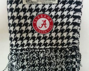 Alabama Crimson Tide Cashmere Feel Fringed Black and White Houndstooth  Scarf with Cotton Logo Permanently Applied.  Ultra Soft!!  Unisex!