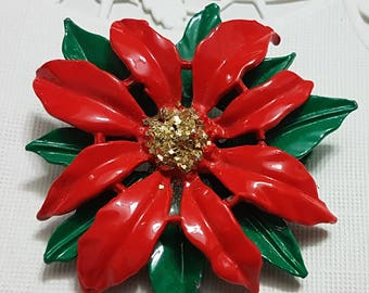 VINTAGE Christmas poinsettia brooch